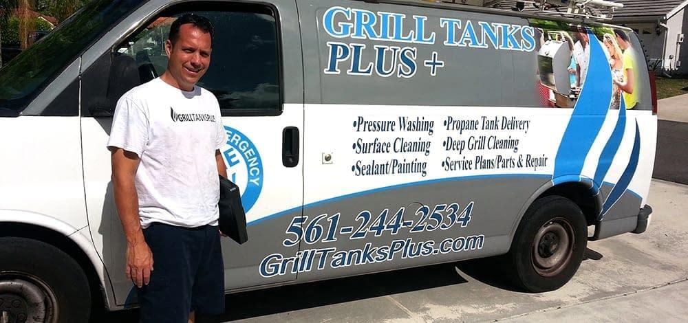 Paul and Grill Tanks Plus van
